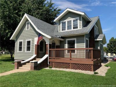 Scottsburg IN Single Family Home For Sale: $129,900