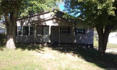 Washington County Single Family Home For Sale: 210 E Woodlawn Drive