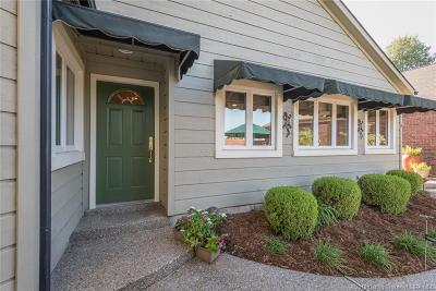 Jeffersonville Single Family Home For Sale: 4 Charlestown Court