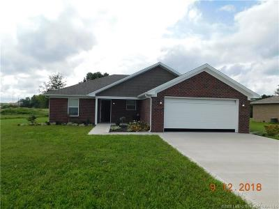 Scottsburg IN Single Family Home For Sale: $169,900