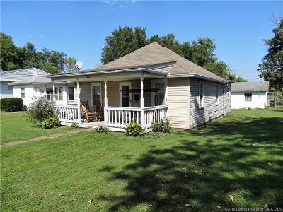 New Albany Single Family Home For Sale: 812 W 9th Street