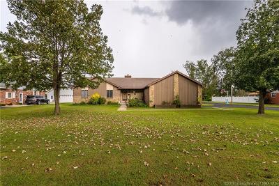 Scottsburg IN Single Family Home For Sale: $234,900