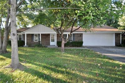 Jeffersonville Single Family Home For Sale: 3307 Castlewood Lane