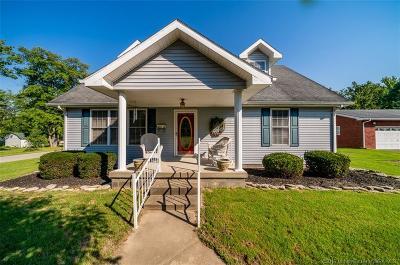 Scottsburg IN Single Family Home For Sale: $174,900