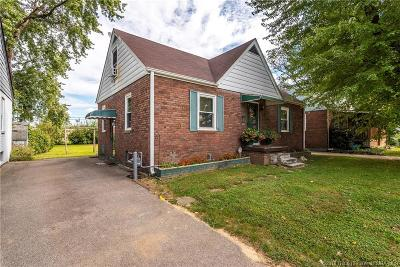 Clarksville Single Family Home For Sale: 620 N Marshall Avenue