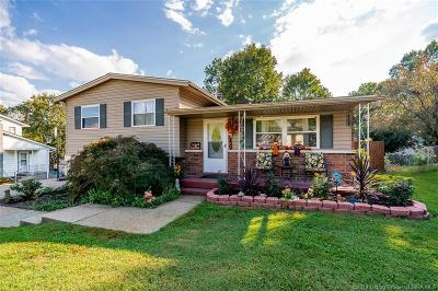 Jeffersonville Single Family Home For Sale: 1207 Tranquil Drive