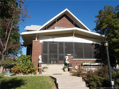 Jeffersonville Single Family Home For Sale: 911 E Court Avenue