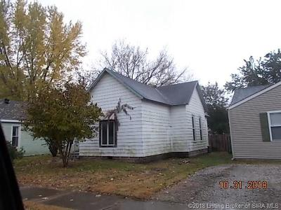 Jackson County Single Family Home For Sale: 715 Hustedt Street