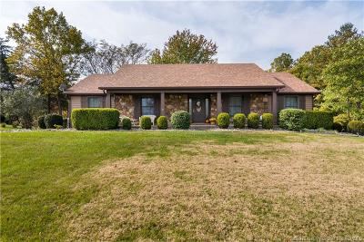 Floyds Knobs Single Family Home For Sale: 3107 Ridgewood Court