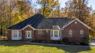 Floyds Knobs Single Family Home For Sale: 6005 Woodsview Court