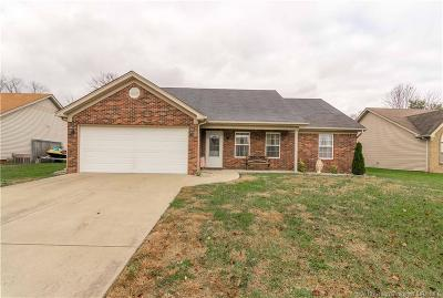 Jeffersonville Single Family Home For Sale: 3537 Peach Tree Street