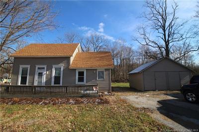 Henryville Single Family Home For Sale: 310 Pennsylvania Street