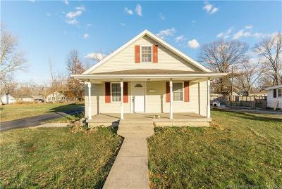 Scott County Single Family Home For Sale: 235 S Second Street