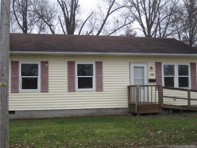 Scottsburg IN Single Family Home For Sale: $60,000