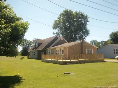 Scott County Single Family Home For Sale: 431 N Third Street