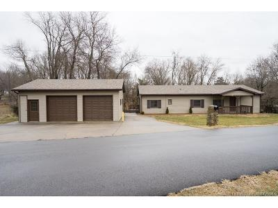 Floyd County Single Family Home For Sale: 1616 Bowman Drive