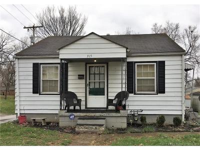 Clarksville Single Family Home For Sale: 315 Lincoln Avenue W