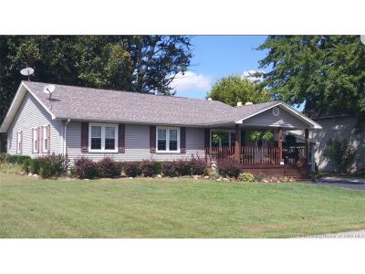 Scott County Single Family Home For Sale: 728 Curtsinger Drive