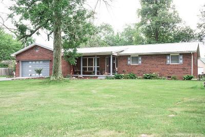Scott County Single Family Home For Sale: 28 S Finley Firehouse Road