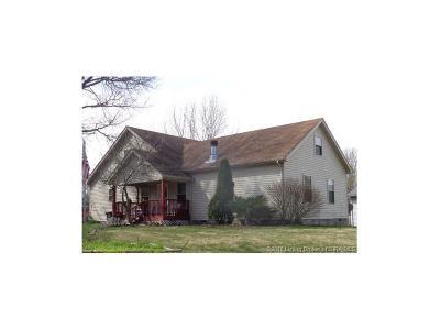 Floyd County Single Family Home For Sale: 1705 Corydon Pike