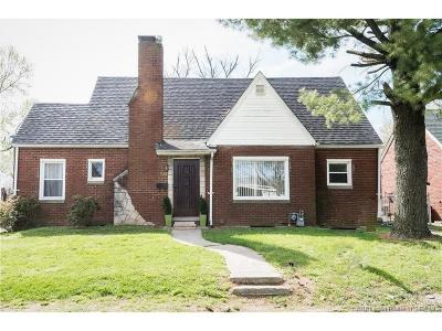 Jeffersonville Single Family Home For Sale: 1522 Lynndale Drive