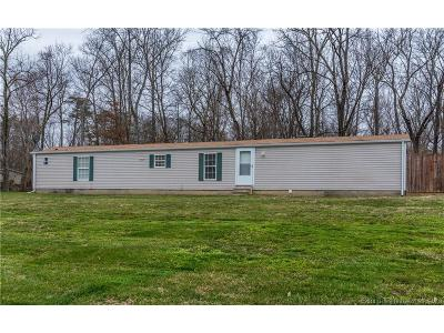Scottsburg IN Single Family Home For Sale: $89,900