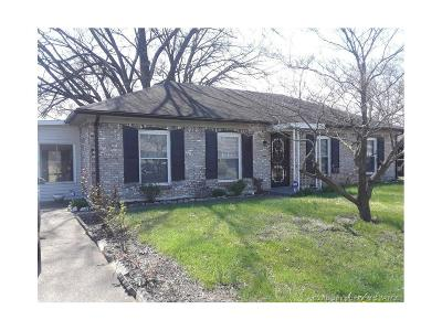 Jeffersonville Single Family Home For Sale: 210 Luther Circle