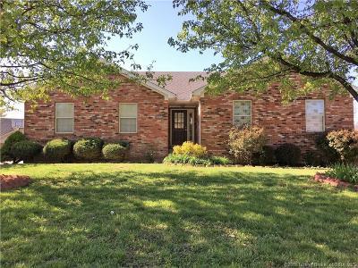 Jeffersonville Single Family Home For Sale: 2605 Darien Drive
