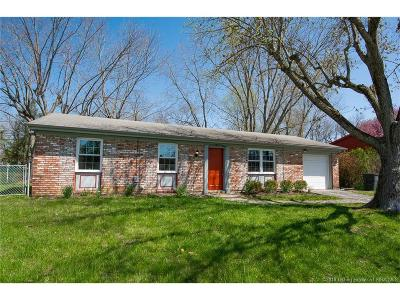 New Albany Single Family Home For Sale: 105 Greendale Drive