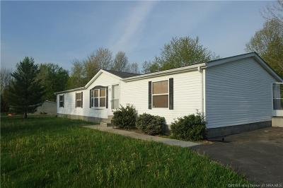 Scottsburg IN Single Family Home For Sale: $79,900