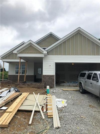 Jeffersonville Single Family Home For Sale: 3516 Edgewood Village