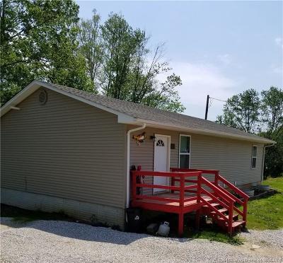Orange County Single Family Home For Sale: 1130 E Smith Circle
