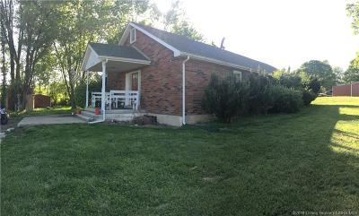 Henryville Single Family Home For Sale: 3718 Park Road