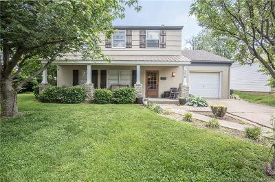Clarksville Single Family Home For Sale: 210 Rosewood Drive