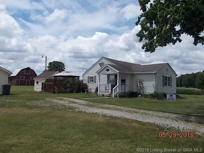 Scottsburg IN Single Family Home For Sale: $149,000