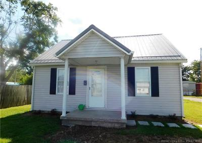 Scottsburg IN Single Family Home For Sale: $55,000