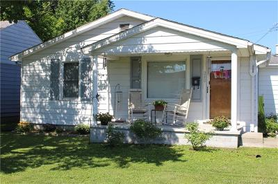Scottsburg IN Single Family Home For Sale: $89,000