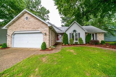 New Albany Single Family Home For Sale: 3707 Glory Woods Court