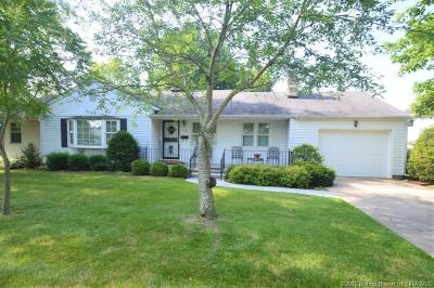Scottsburg IN Single Family Home For Sale: $129,000