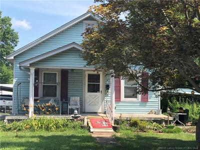 New Albany Single Family Home For Sale: 608 Albany Street