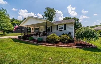 Jeffersonville Single Family Home For Sale: 8 Graceland Way