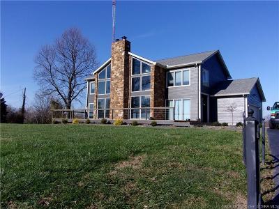 Floyd County Single Family Home For Sale: 7421 N Skyline Drive