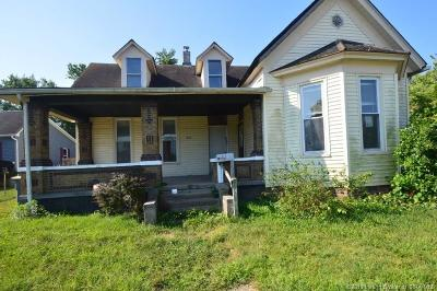 Jackson County Single Family Home For Sale: 723 W Brown Street