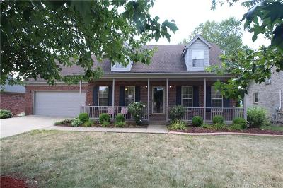 Clark County Single Family Home For Sale: 206 Deer Run Drive