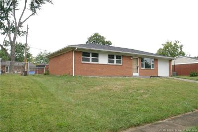 Clarksville Single Family Home For Sale: 707 Spicewood Drive