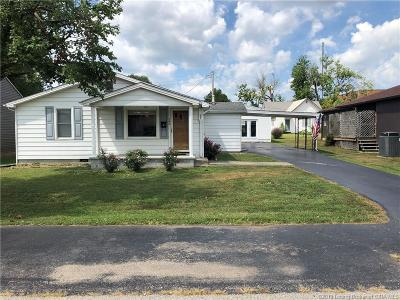 Scott County Single Family Home For Sale: 240 S 3rd Street