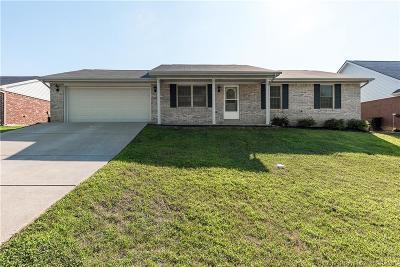 Sellersburg Single Family Home For Sale: 2229 Honeysuckle Way