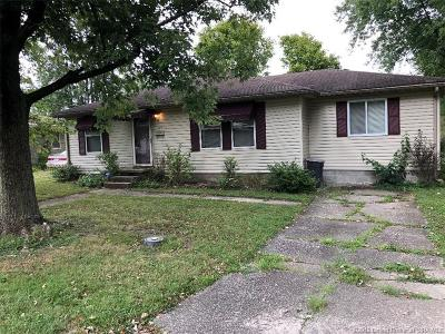 Austin IN Single Family Home For Sale: $67,500