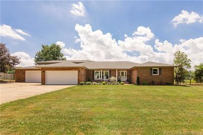 Scottsburg IN Single Family Home For Sale: $397,500