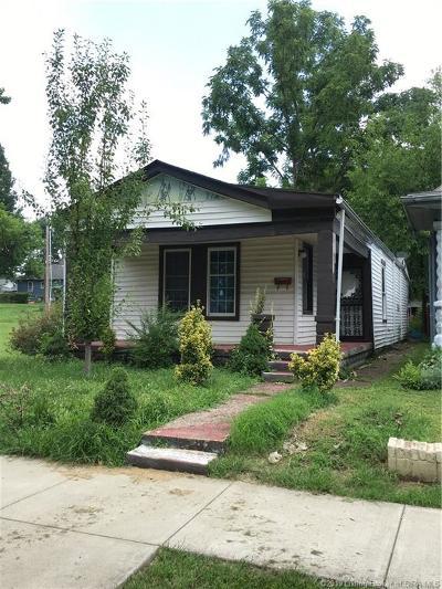 Jeffersonville Single Family Home For Sale: 724 Watt Street